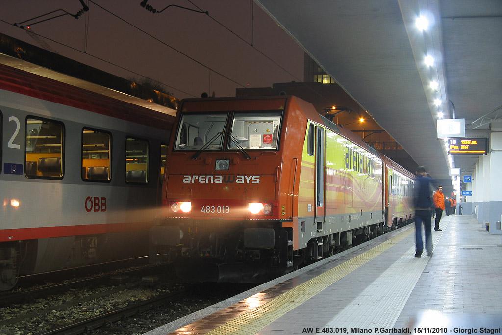 Un treno tutto arancio stagniweb - Treno bergamo milano porta garibaldi ...