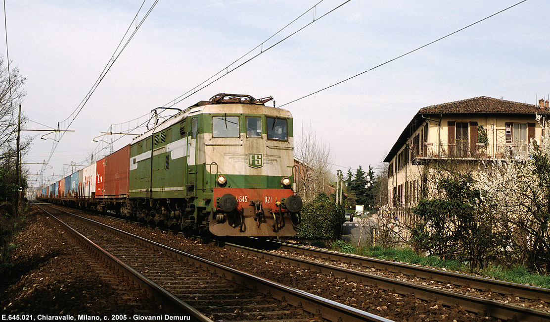 Dalla ferrovia quotidiana alla storia 22 for 2 piani di cabina di ceppi di storia